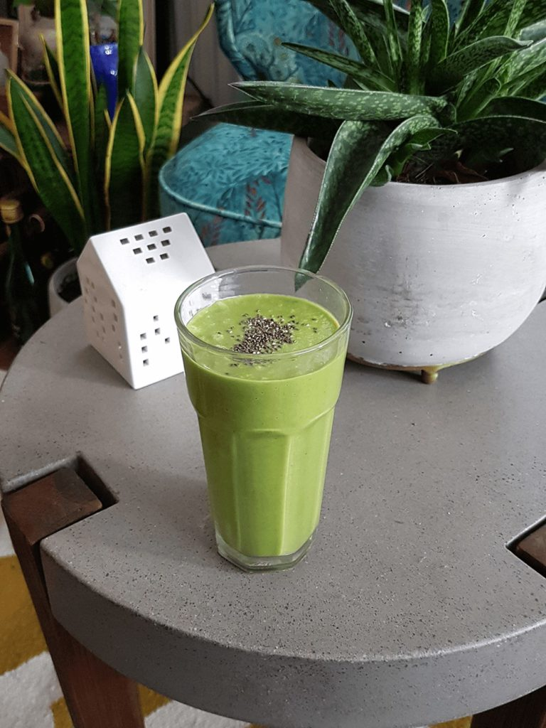green keto smoothie for a ketogenic diet