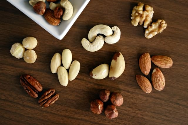 keto snacks - nuts and seeds make a great low carb snack on a keto diet