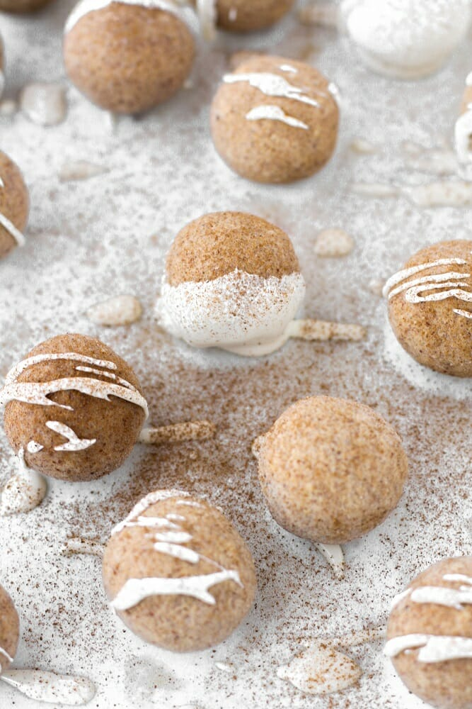 fat bombs with cream cheese - cinnamon