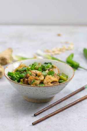 keto stir fry with chicken thighs and peanuts