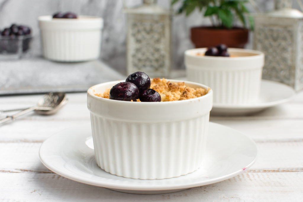 easy low carb keto crumble made with blueberry compote
