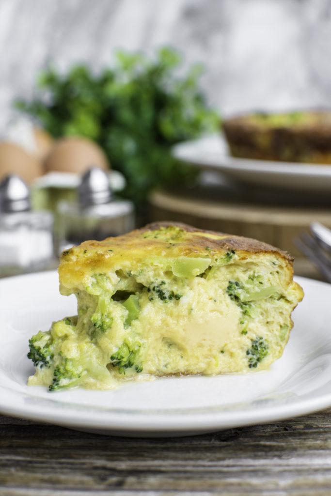 keto quiche with broccoli and cheese