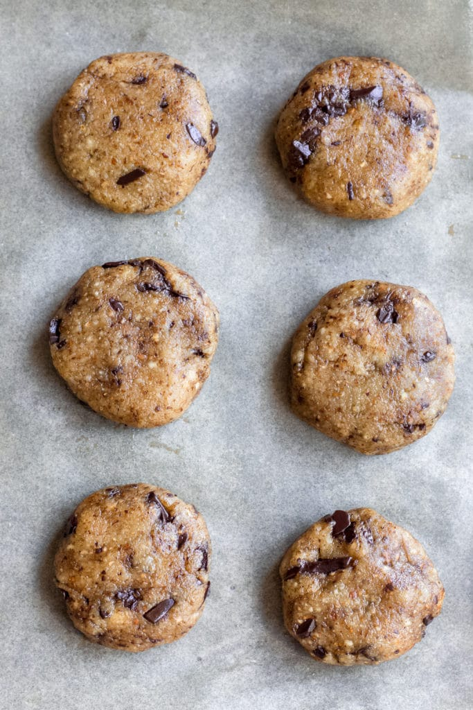 Uncooked easy keto chocolate chip cookies