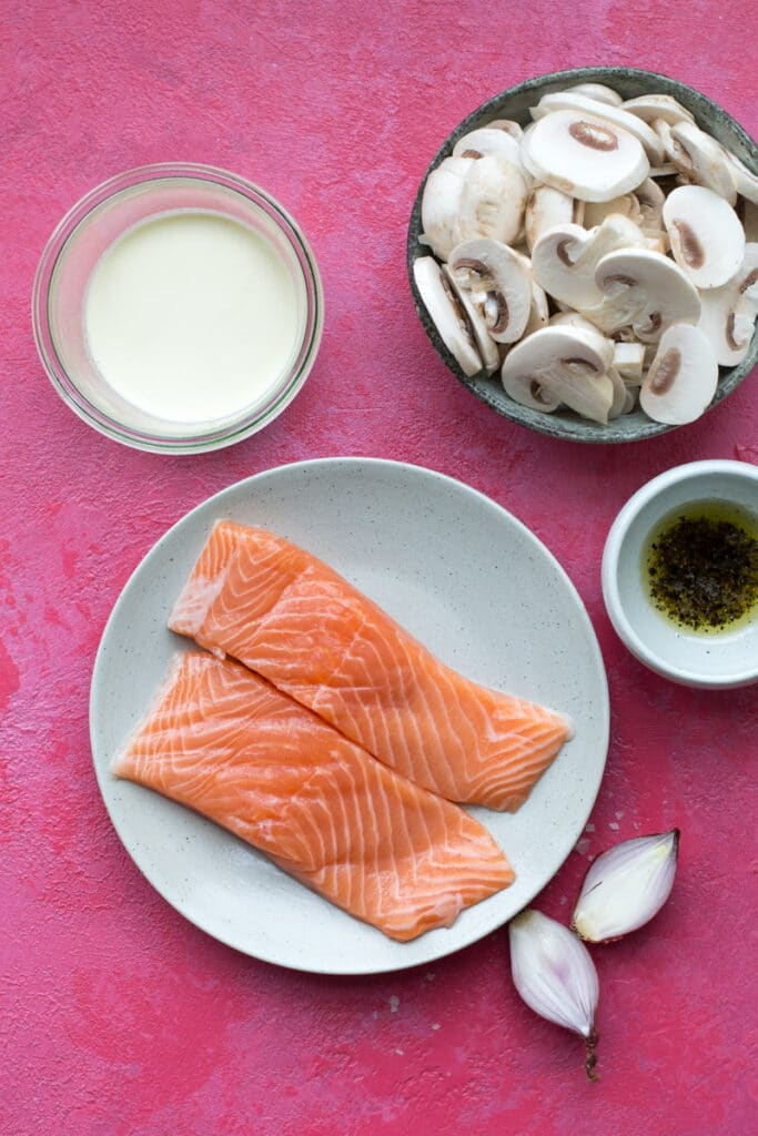Ingredients for one pan keto creamy salmon