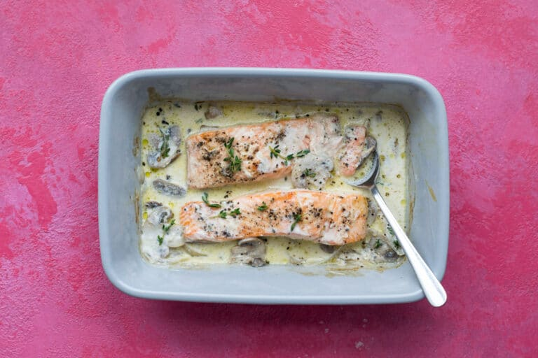 Creamy salmon in a baking tray
