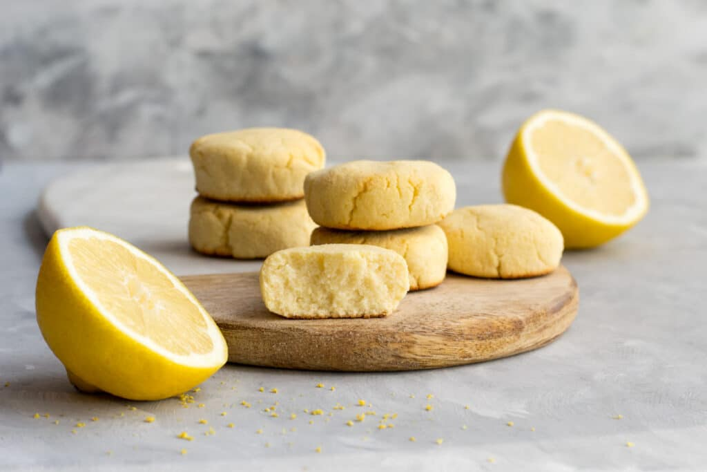 Keto cookies with lemon